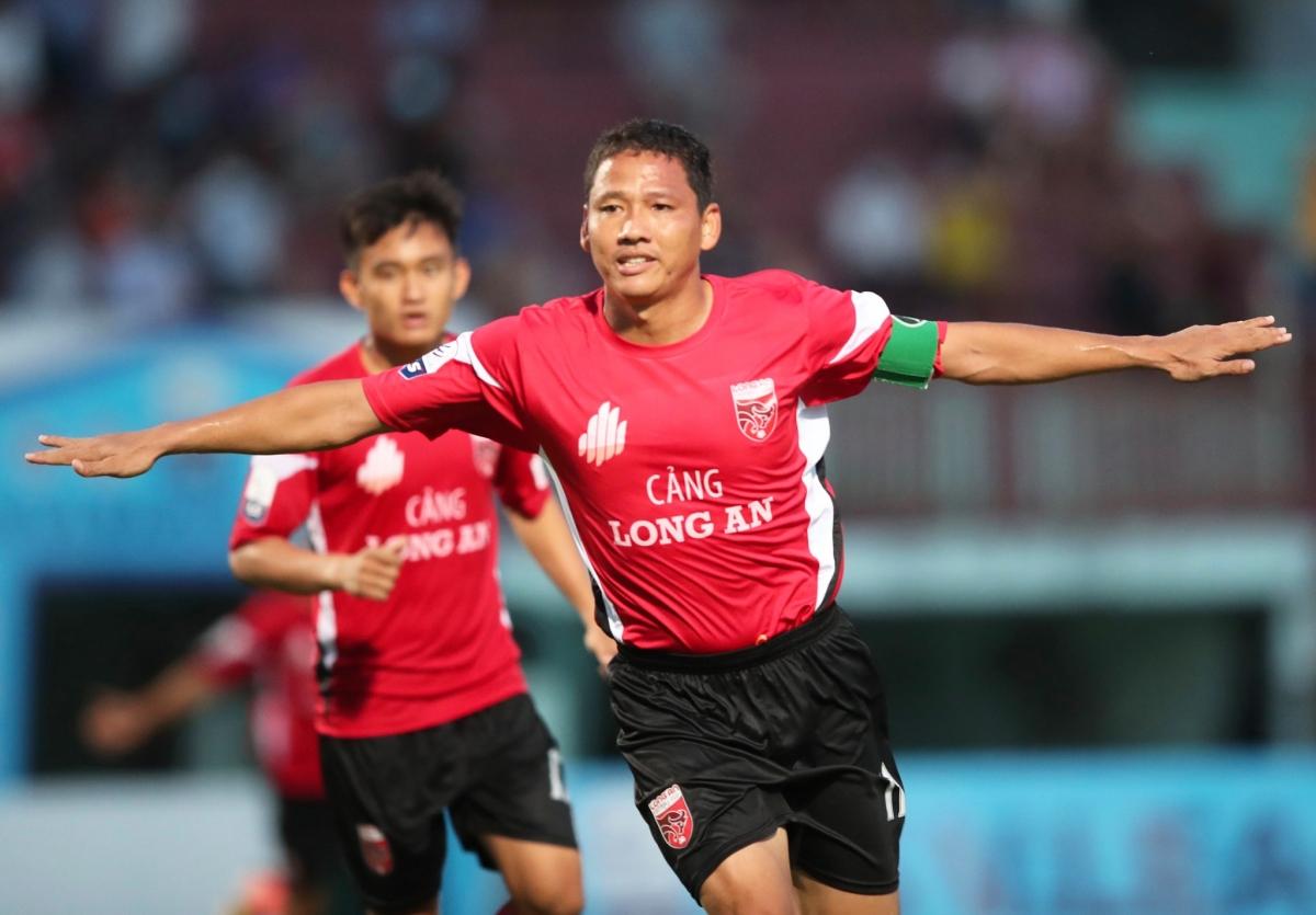 Anh Đức đang là cầu thủ nội có hiệu suất ghi bàn cao nhất mùa giải bóng đá chuyên nghiệp Việt Nam 2021. (Ảnh: VPF).
