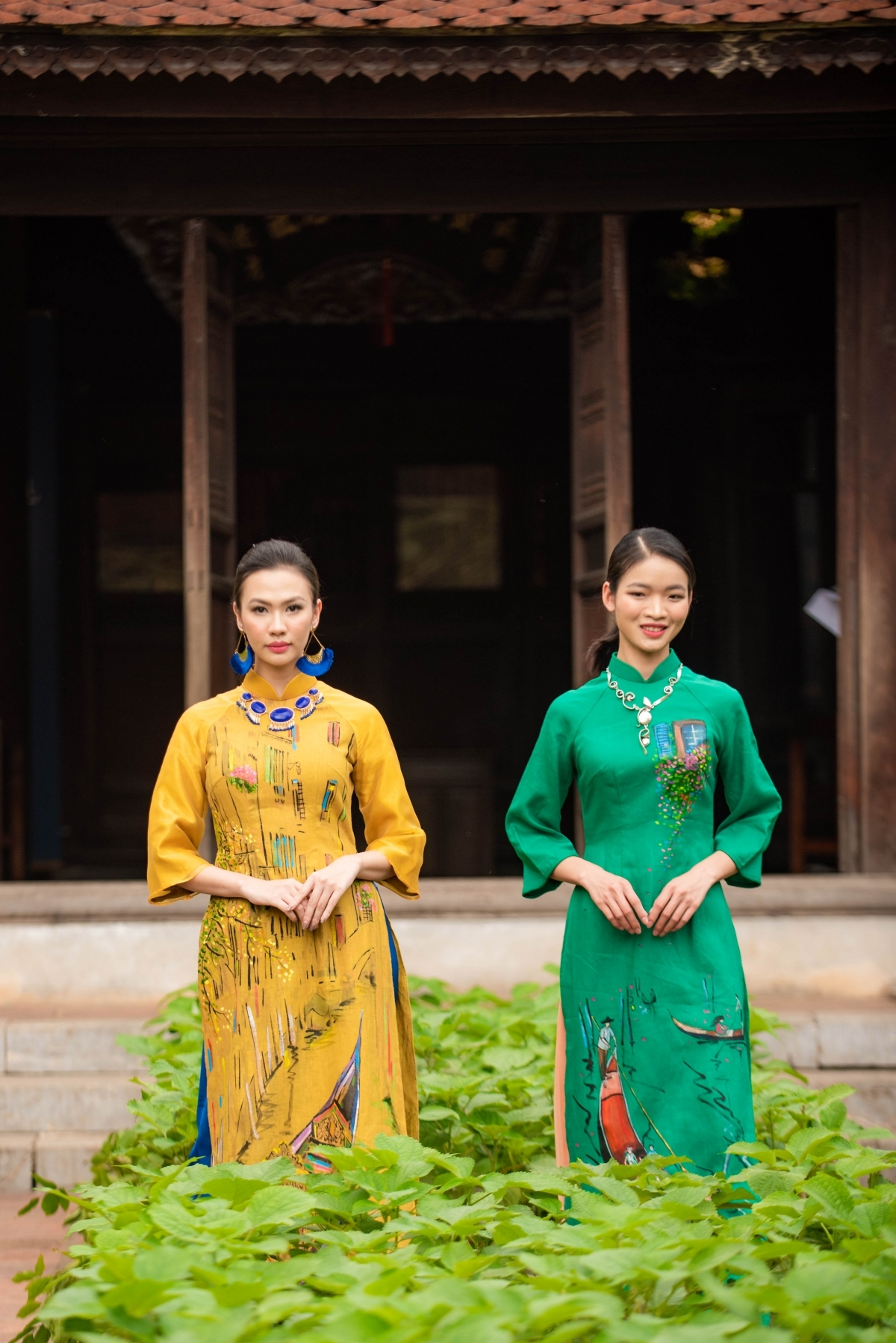 As many as 600 separate Ao Dai are introduced during the event.