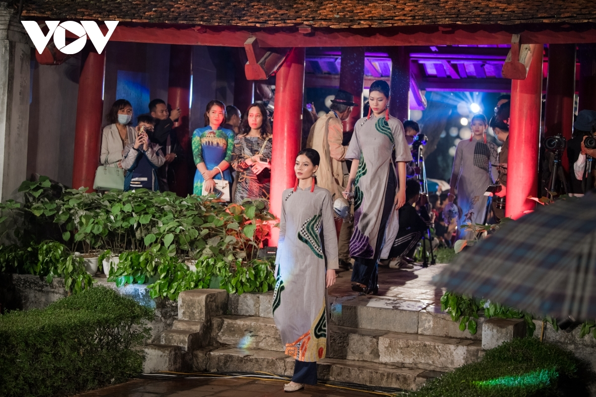 """The event is held as part of the """"Ao Dai–VietnameseCulturalHeritage"""" programme which has been launched by the Vietnam Women's Union, aiming to honour the cultural value of Ao Dai."""