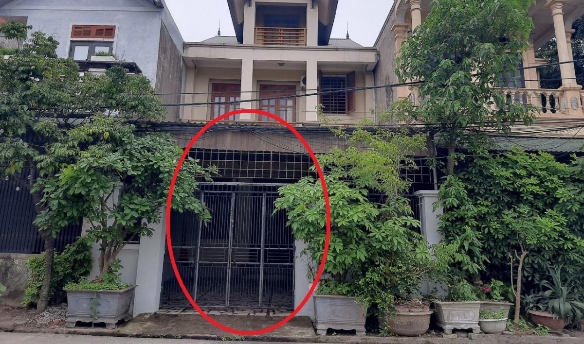 Khu vực cổng nhà bà H.V- nơi xảy ra sự việc.