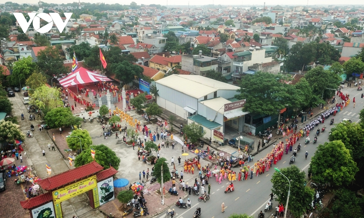 The annual four-day festival also features cultural activities and folk games which serve to entertain crowds.
