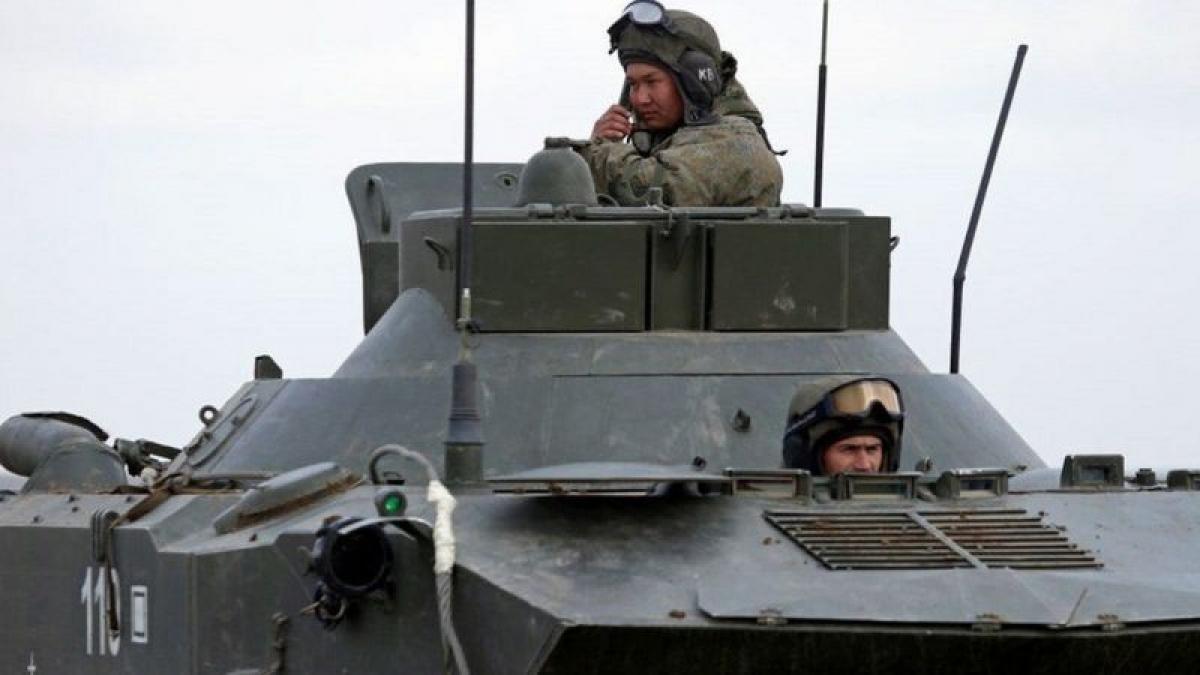 Binh sỹ Nga tập trận tại Crimea. Ảnh: BBC.