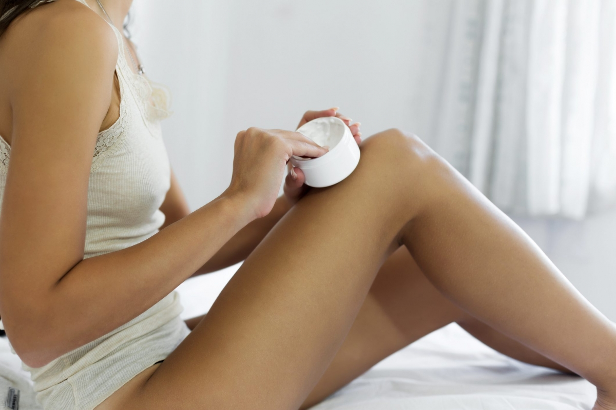 Các loại kem tan mỡ: Da chảy xệ, da sần vỏ cam do mỡ là hệ quả của một quá trình sinh học phức tạp mà cho đến hiện tại chưa có sản phẩm nào có thể ngăn ngừa hay sửa chữa được. Kem tan mỡ cũng chỉ có thể làm vùng da chảy xệ trông mịn hơn.