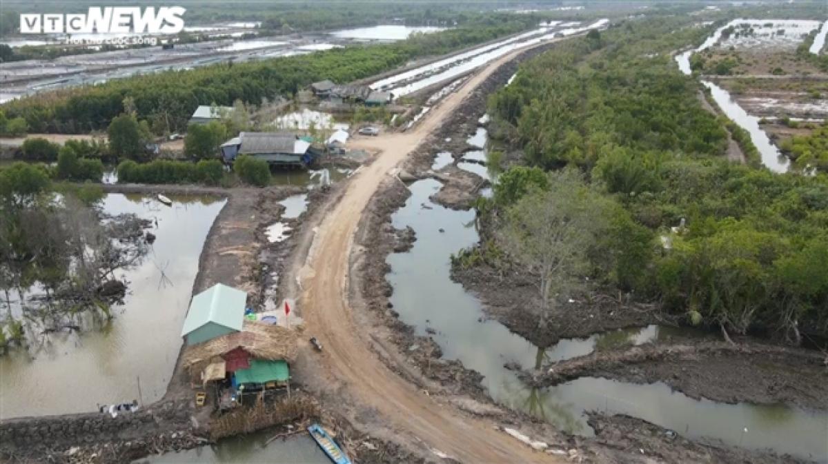 Tình hình COVID-19 tại Campuchia đang diễn biến khó lường. Các tỉnh biên giới Tây Nam của Việt Nam đang căng mình ngăn chặn nhập cảnh trái phép và xây dựng kịch bản cho tình huống xấu nhất.