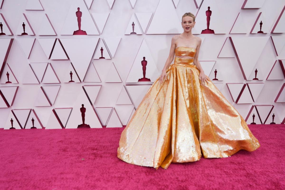 """Carey Mulligan hiện là ứng cử viên sáng giá giải Oscar 2021 hạng mục Nữ diễn viên chính xuất sắc với vai diễn Cassie trong phim """"Promising Young Woman"""" (tựa Việt: Cô gái trẻ hứa hẹn) của nữ đạo diễn Emerald Fennell."""