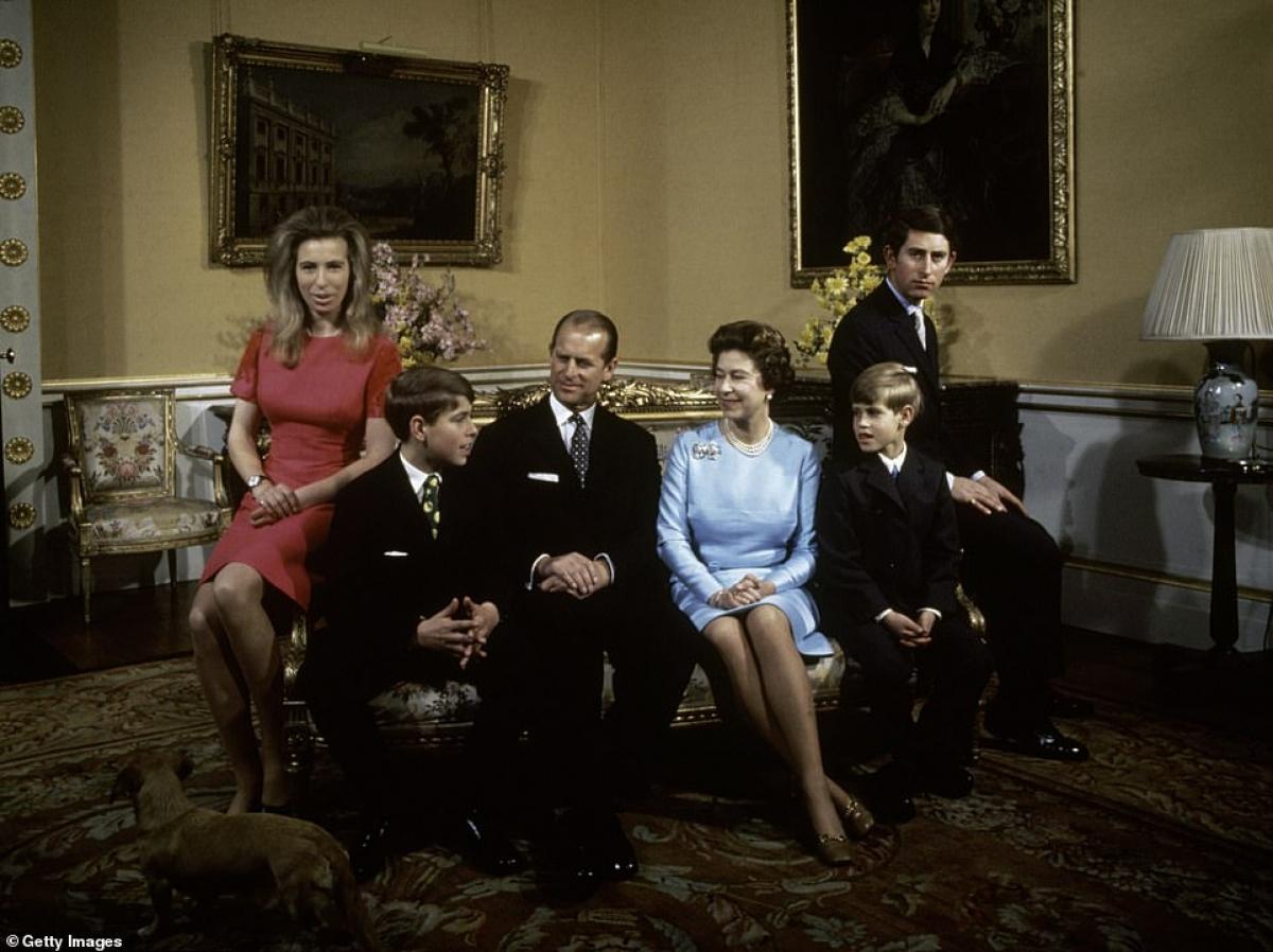 Gia đình Philip-Elizabeth năm 1972.