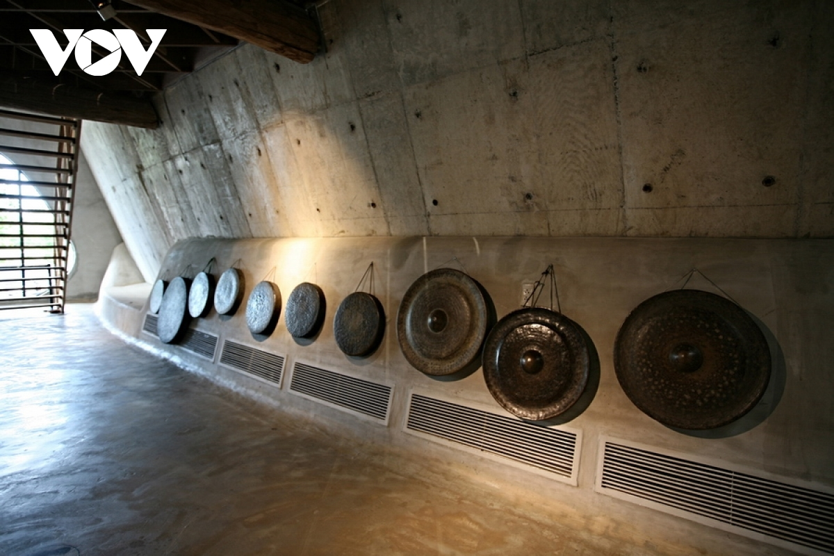 Numerous musical instruments of ethnic groups, including the Gong, can be seen on display at the museum.