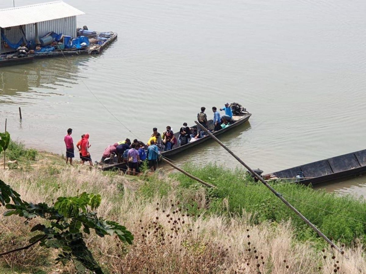 Nguy cơ lây nhiễm từ người nhập cảnh trái phép qua sông Mê Công là rất lớn.