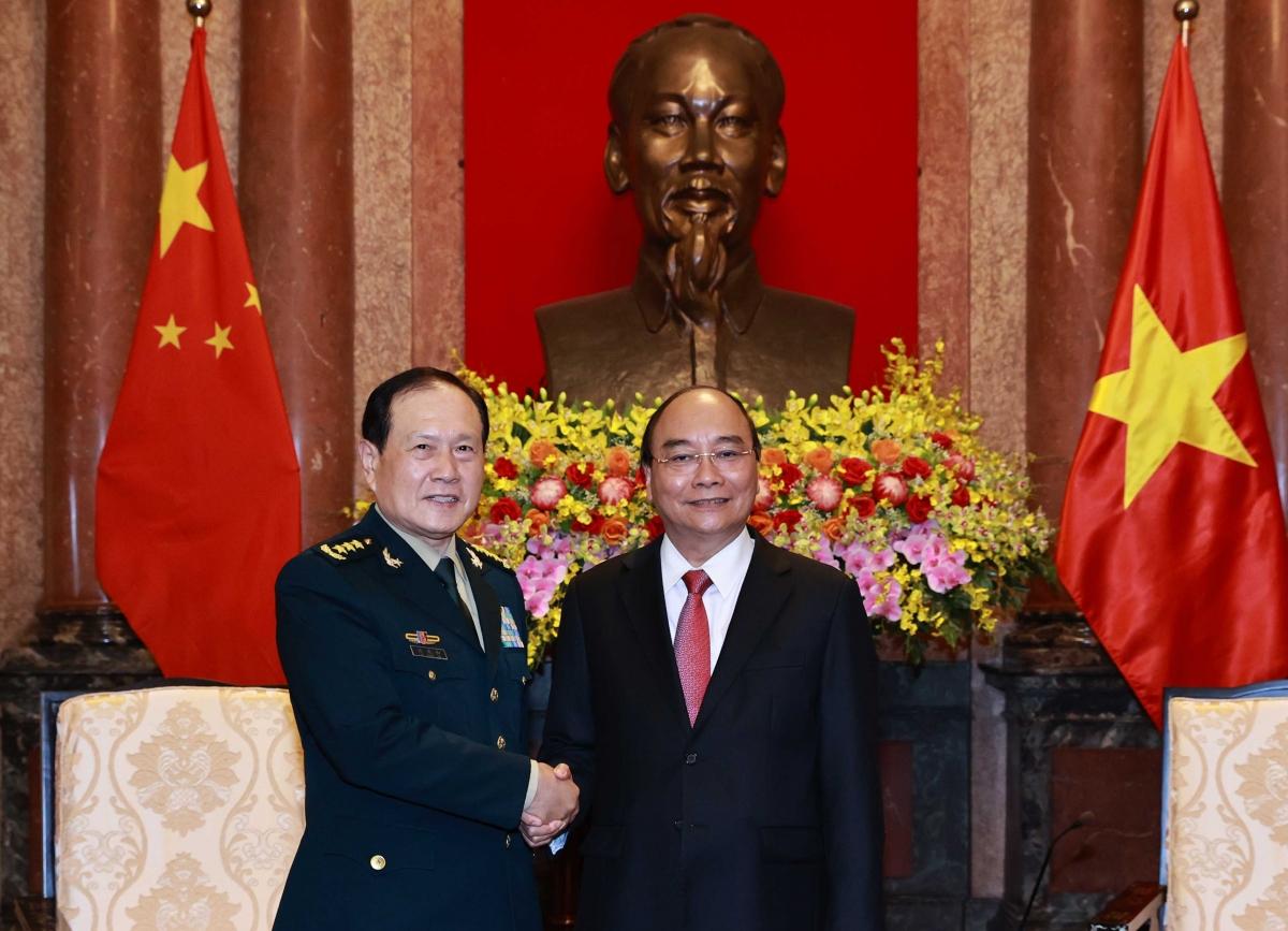 Chủ tịch nước Nguyễn Xuân Phúc vàThượng tướng Ngụy Phượng Hòa