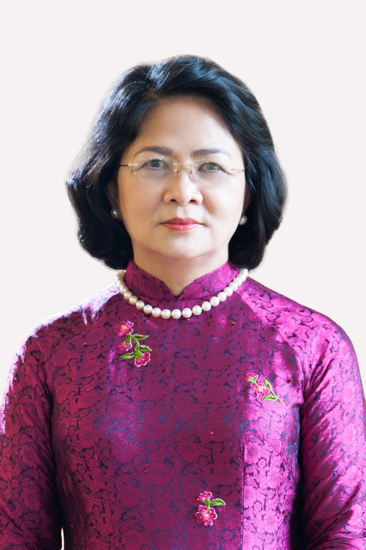Law makers approve a resolution on the dismissal of Dang Thi Ngoc Thinh as Vice State President