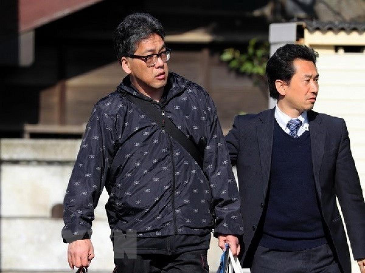 Yasumasa Shibuya (left) (Photo: Asahi Shimbun/ VNA)