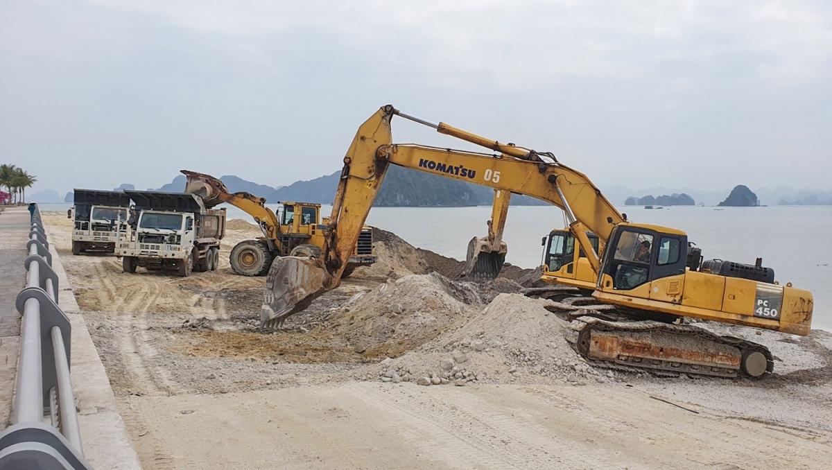 Doanh nghiệp khôi phục lại hiện trạng ban đầu sau khi đổ đất lấn chiếm ngoài ranh giới dự án.