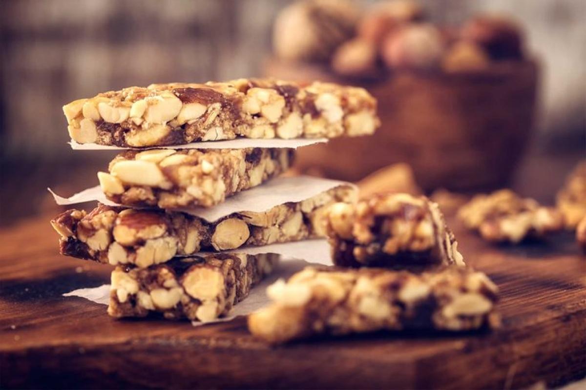 Bánh granola: Bánh granola vừa có hàm lượng đường cao, vừa ít protein và chất xơ, do đó sẽ nhanh chóng khiến bạn cảm thấy đói.