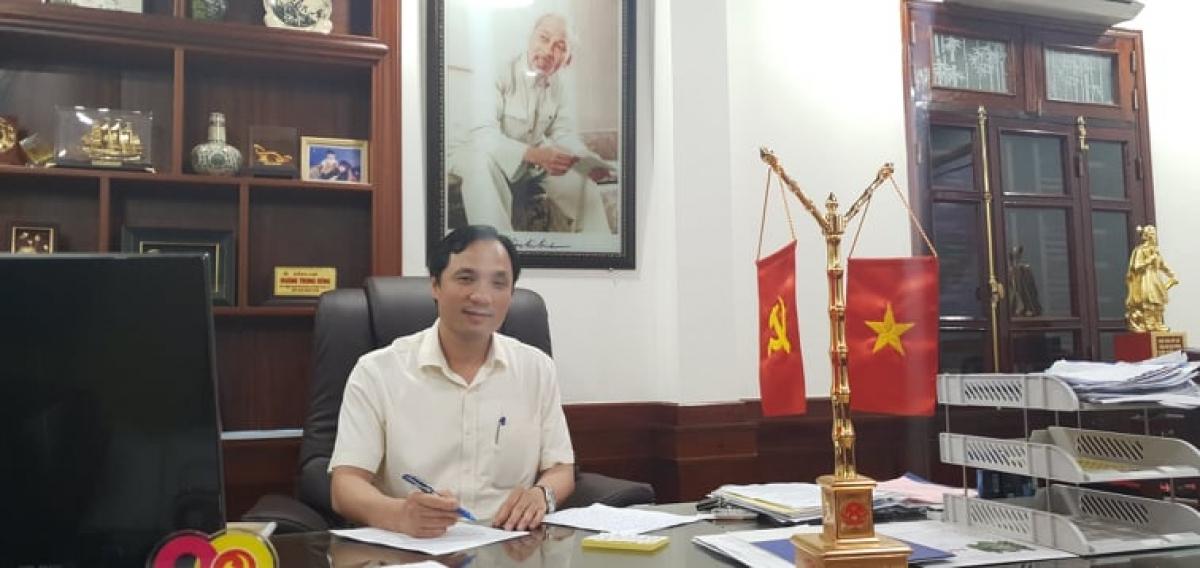 Ông Hoàng Trung Dũng, Ủy viên Trung ươngĐảng, Bí thư Tỉnh ủy Hà Tĩnh.