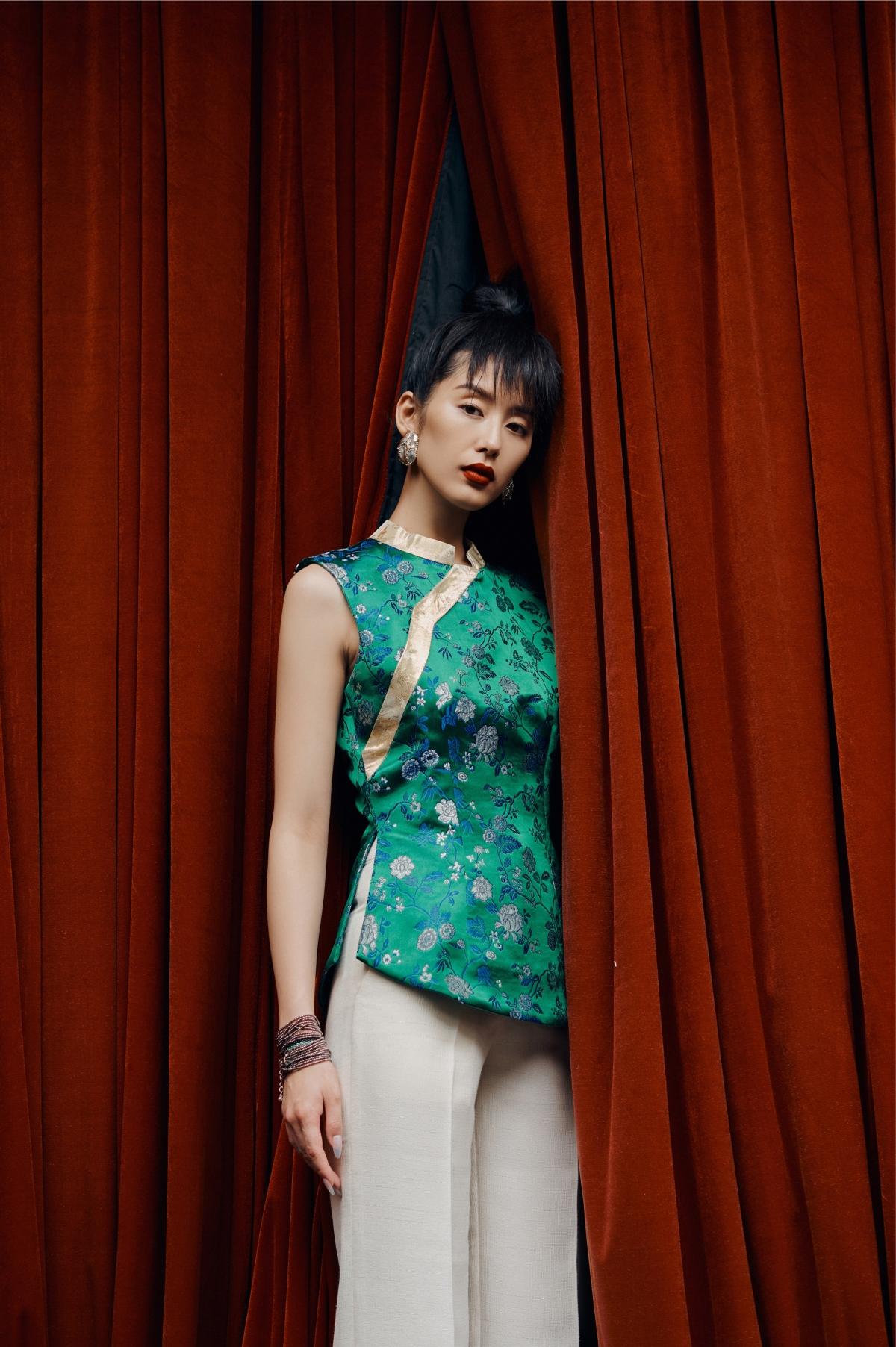 NTK muốn đem lại một tổng hòa nhẹ nhàng và tinh tế trong từng bộ trang phục.