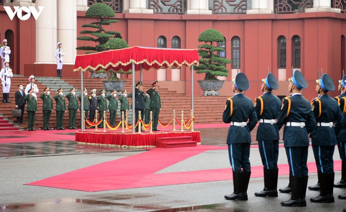 Lễ đón và hội đàm chính thức diễn ra chiều 25/4 tại Trụ sở Bộ Quốc phòng, Hà Nội.