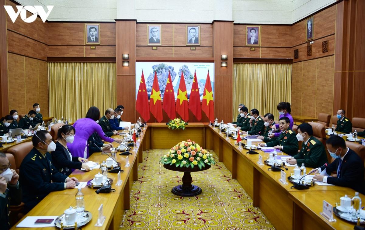 Sau lễ đón chính thức, hai đoàn đại biểu cấp cao Bộ Quốc phòng Việt Nam - Trung Quốc đã tiến hành hội đàm./.
