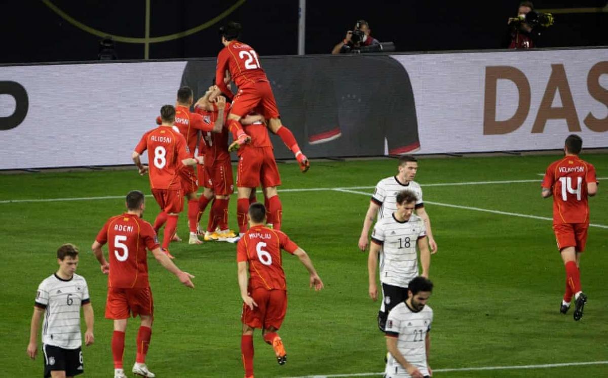 ĐT Đức lần đầu thua trận trên sân nhà ở vòng loại World Cup, kể từ sau thất bại 1-5 trước Anh hồi năm 2001. (Ảnh: Getty)