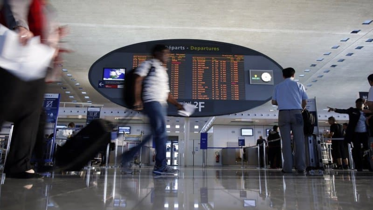 Pháp tính tạm ngừng tất cả các chuyến bay với Ấn Độ. (Ảnh: BFMTV)