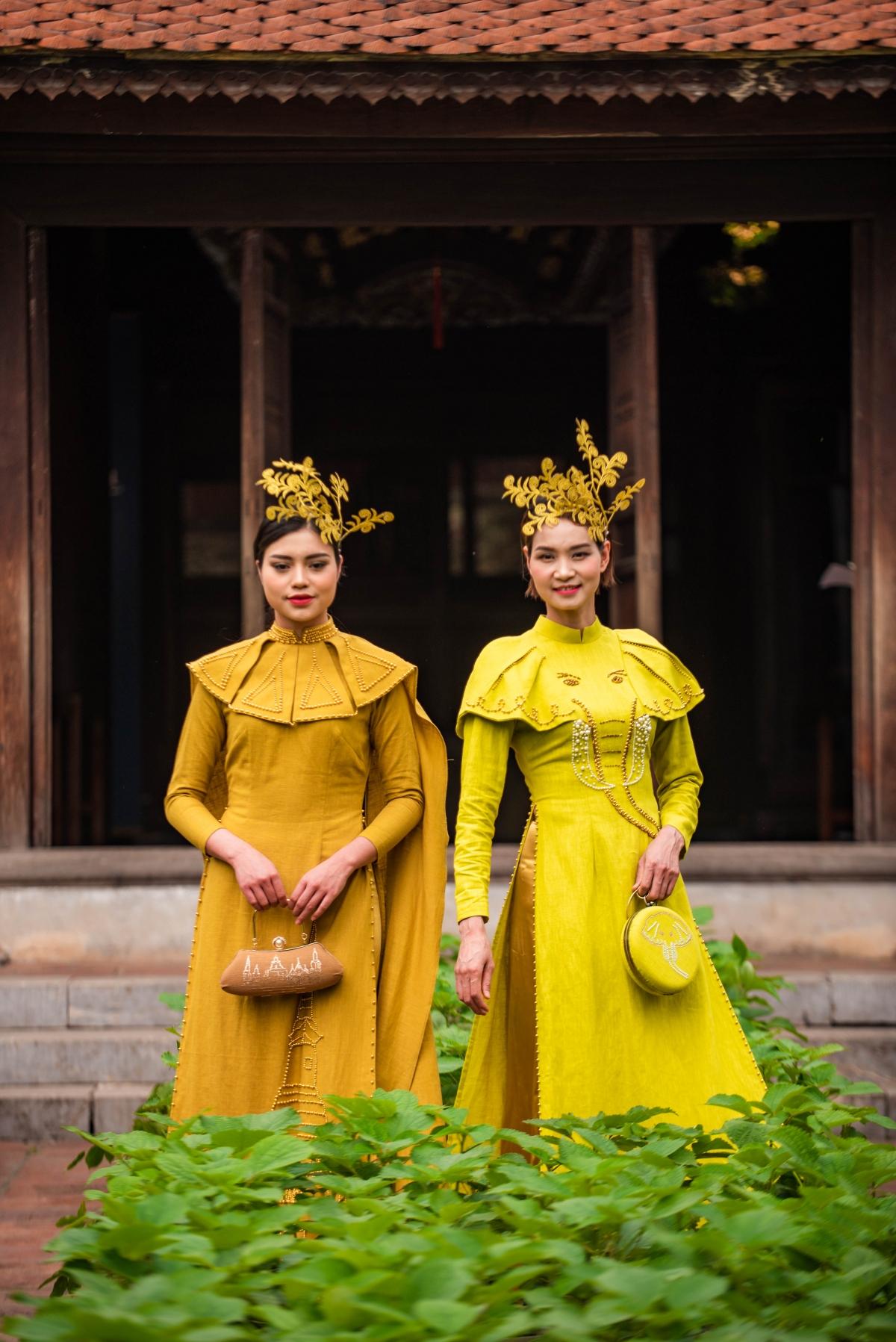 PGS.TS Trần Đức Ngôn, Viện trưởng Viện nghiên cứu văn hóa Thăng Long, cho biết, áo dài Việt Nam đang trong hành trình tự khẳng định với tư cách là di sản văn hóa, bởi nó không chỉ là hình thức vật chất mà trong đó có cả truyền thống văn hóa.