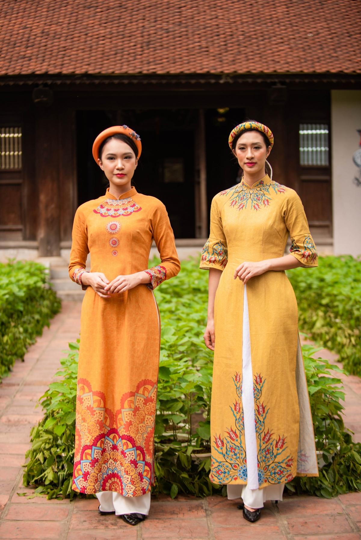Áo dài Việt Nam không chỉ mang tính dân tộc ở hình thức mà còn ở chất liệu truyền thống từ tơ tằm và cây gai. Do đó các mẫu áo dài trong sự kiện tại Di tích Văn Miếu - Quốc Tử Giám chủ yếu được làm từ gai và lụa tơ tằm.
