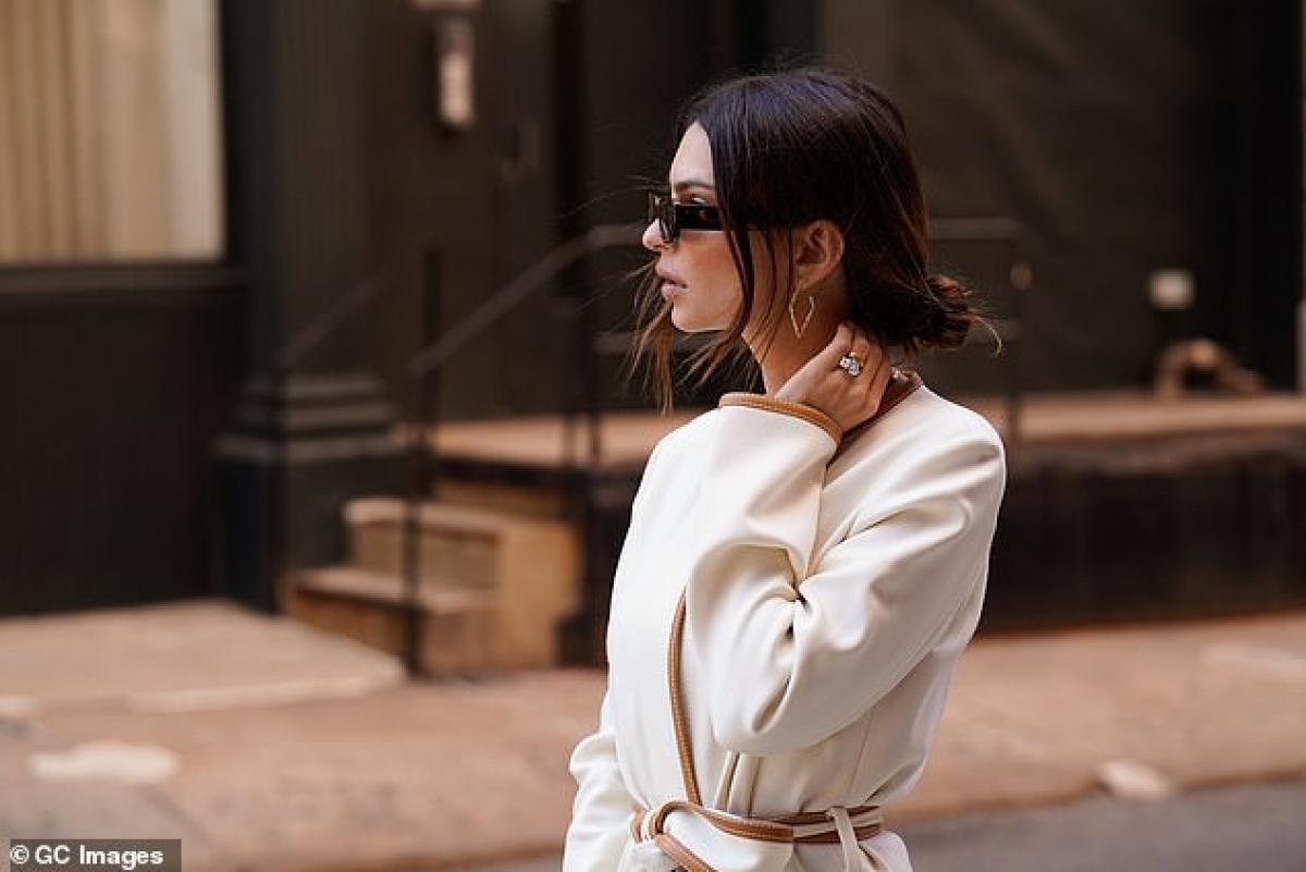 Emily kết hôn với Sebastian Bear-McClard vào năm 2018.