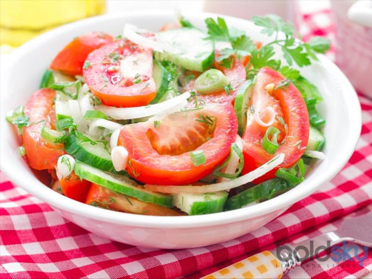 Ăn bữa chính sau khi tập luyện: Cơ thể bạn cần phục hồi và nạp năng lượng sau khi vận động thể chất nhằm tái tạo các vết rách nhỏ ở cơ. Do vậy, bữa ăn đầy đủ nhất trong ngày nên là bữa ăn sau buổi tập.