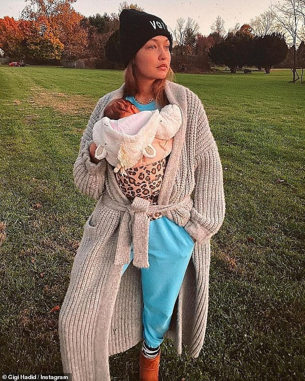 Gigi đã chào đón con đầu lòng tại trang trại của gia đình ở quận Bucks, Pennsylvania với sự trợ giúp của một nữ hộ sinh địa phương, trợ lý hộ sản, mẹ, em gái Bella Hadid và bạn trai Zayn Malik.