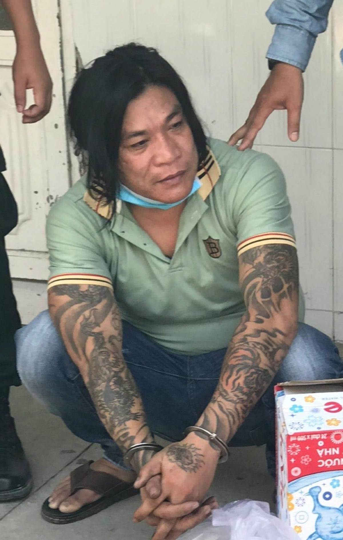 Đối tượng cầm đầu băng nhóm cho vay nặng lãi, đòi nợ thuê, mua bán ma túy tại huyện Gò Công Tây vừa bị khởi tố