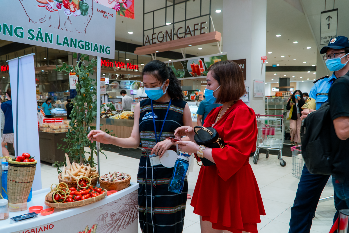 Specialties from the Central Highlands region are also introduced at the event.