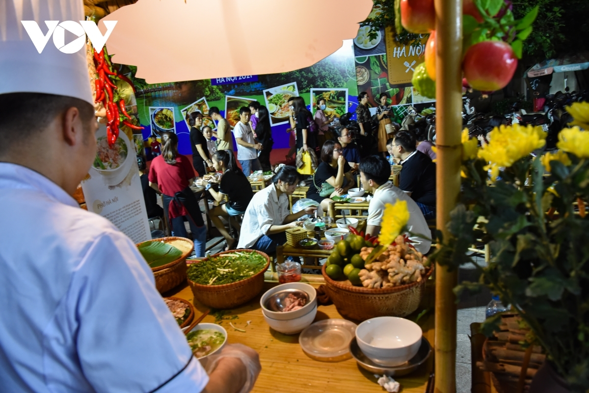 Throughout the course of the event diners have the chance to sample some outstanding dishes and specialties which originate from the capital, including pho, a type of noodle soup, and egg coffee.