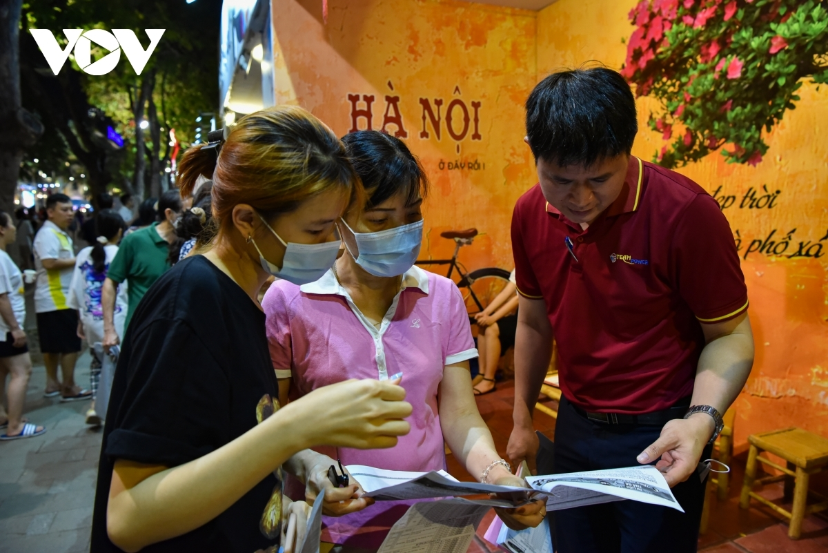 According to a number of local travel agencies, tours are now on offer at reasonable prices with good quality. For example, a Da Nang-Ba Na-Hoi An tour which departs on May 9 and includes a stay in a four-star hotel sees its price reduced by 27%.