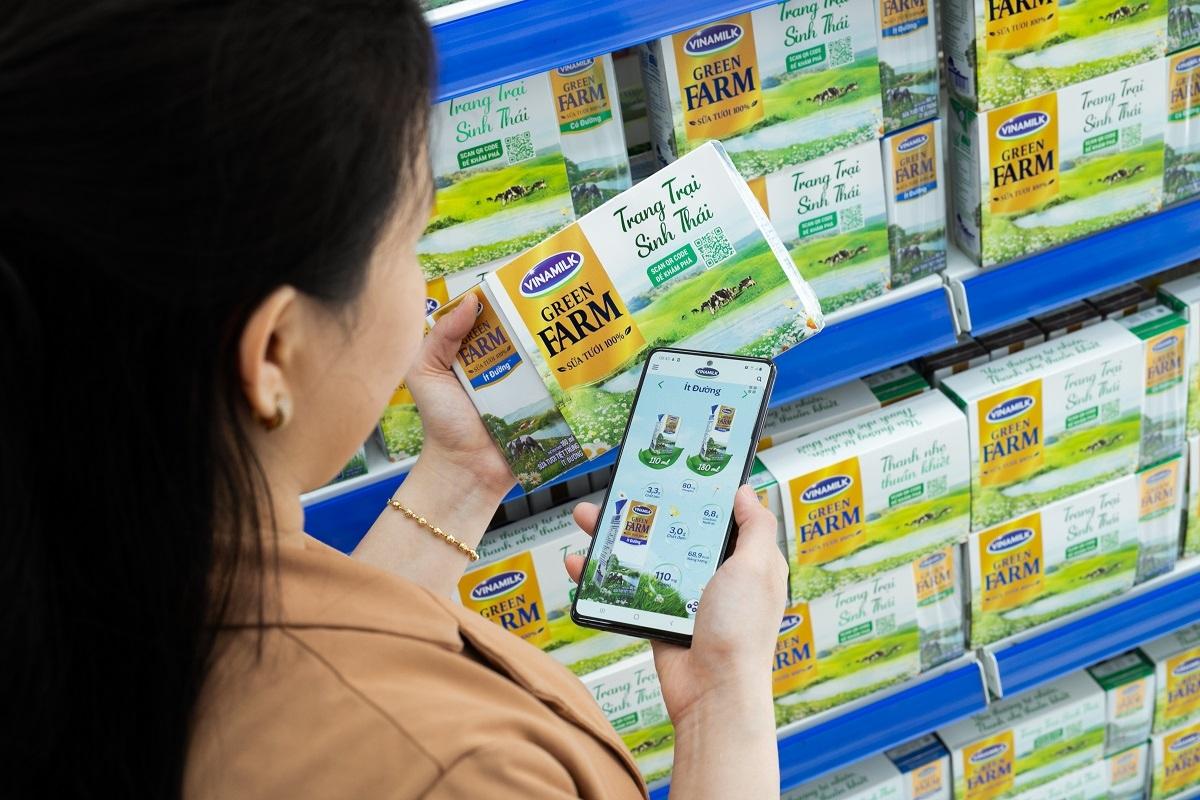 Người tiêu dùng sẽ được tích hợp các lợi ích trên cả 2 kênh mua sắm online và tại cửa hàng.