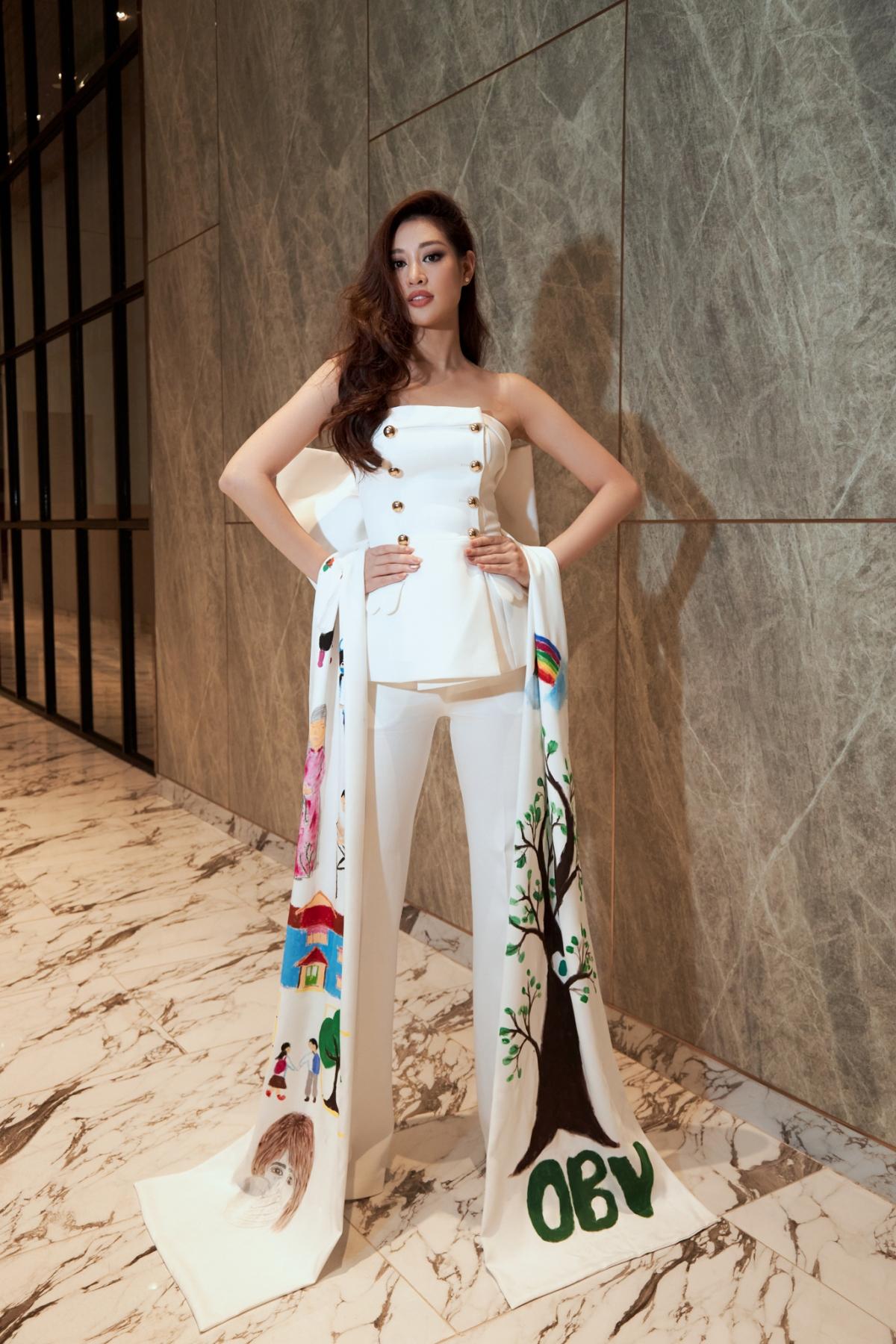 Hiện, Khánh Vân đang hoàn thiện những công tác cuối cùng cho chuyến hành trình chinh phục Miss Universe, diễn ra ở Mỹ vào tháng 5 tới./.