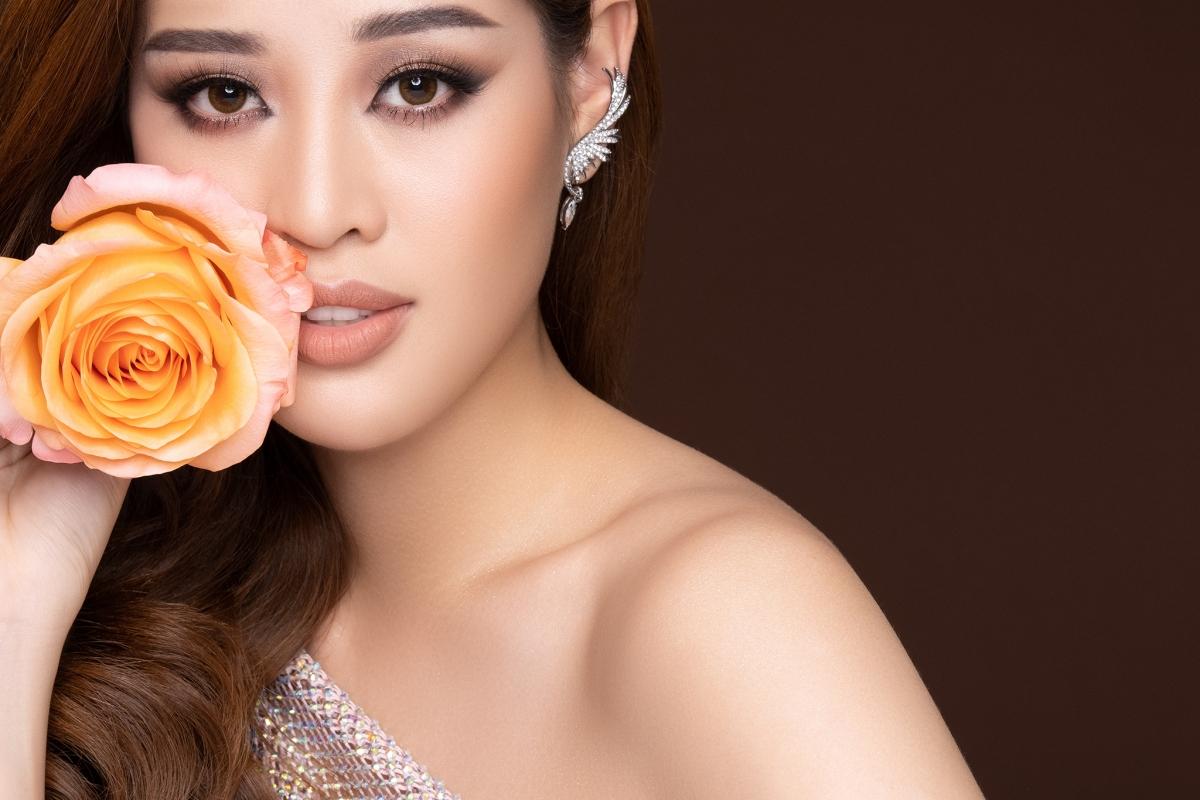 Đồng hành với ngôi nhà OBV, Hoa hậu Khánh Vân đại diện cho tiếng nói của 40 em gái đang sinh sống tại đây, để đến với Miss Universe cất lên tiếng nói bảo vệ những người phụ nữ và trẻ em gái bị xâm hại tình dục hoặc khai thác tình dục.