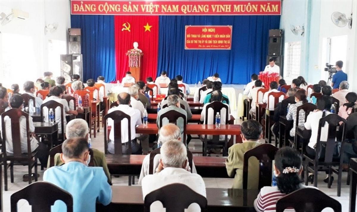 Hội nghị đối thoại và lắng nghe ý kiến đóng góp của nhân dân tại xã Phú Lộc (thị xã Tân Châu, An Giang). (Ảnh: tuyengiaoangiang.vn)