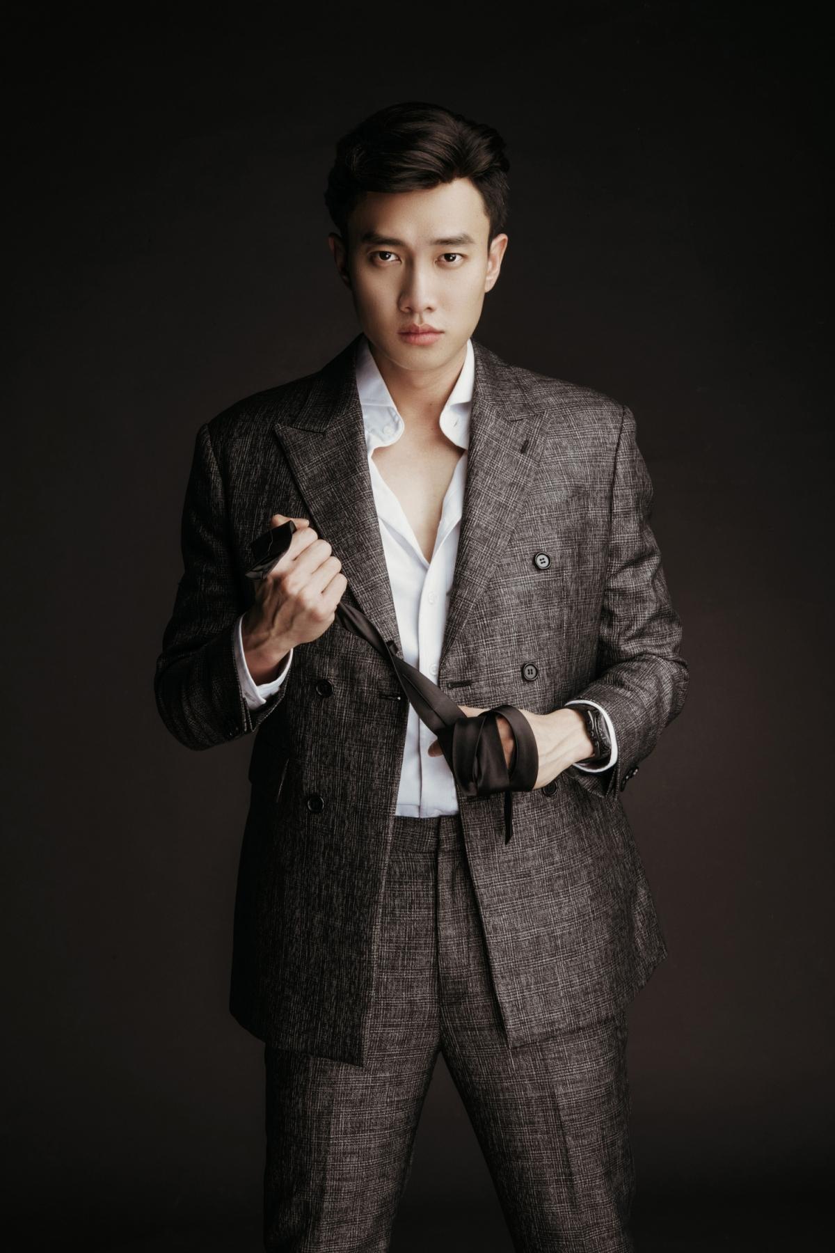 Quốc Trường vào vai Đăng Minh - một người chồng vũ phu.