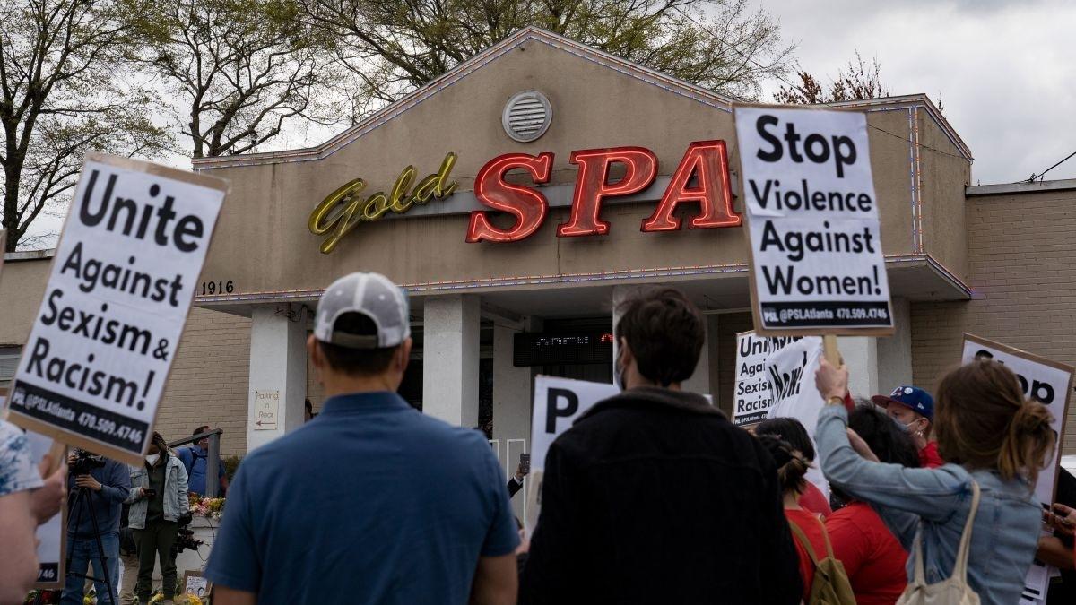 Vụ xả súng tại Atlanta đã gióng lên hồi chuông về tình trạng bạo lực chống người châu Á ở Mỹ. Ảnh: CNN