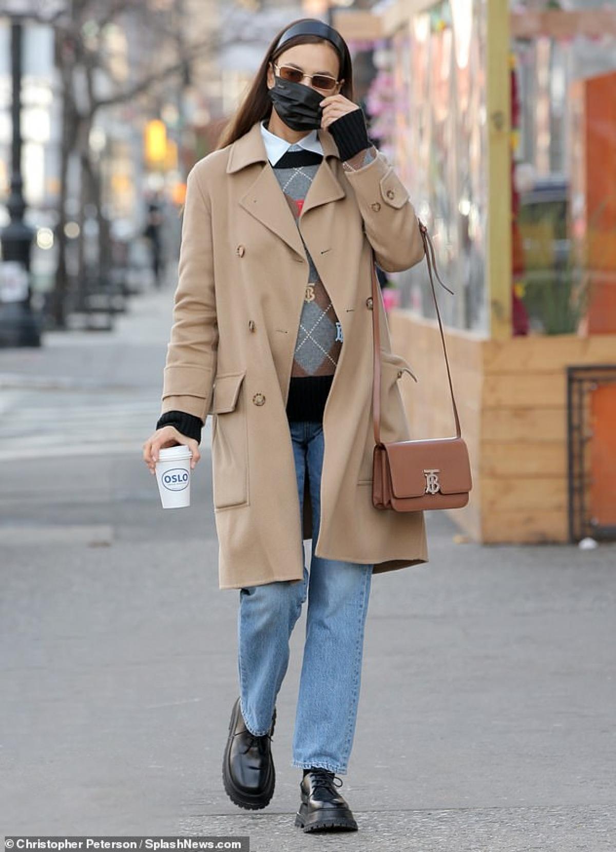 Irina Shayk từng trải qua cuộc tình ngọt ngào với Bradley Cooper.