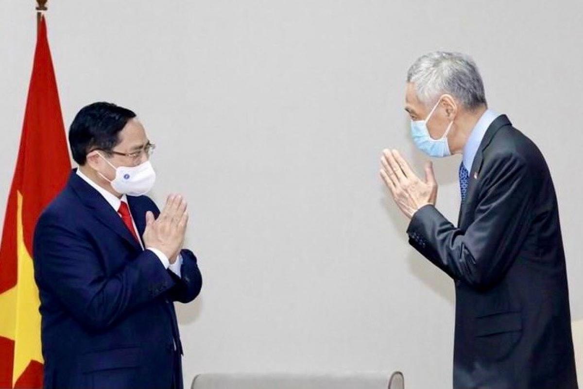 Thủ tướng Phạm Minh Chính và Thủ tướng Lý Hiển Long.
