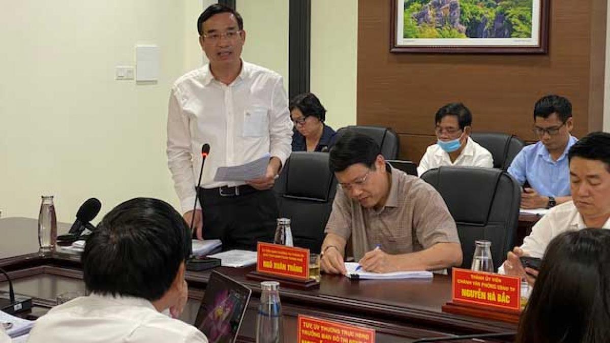 Ông Lê Trung Chinh- Chủ tịch UBND TP Đà Nẵng tại phiên họp thường kỳ Tháng 3- HĐND Thành phố Đà Nẵng chiều 7/4/2021.