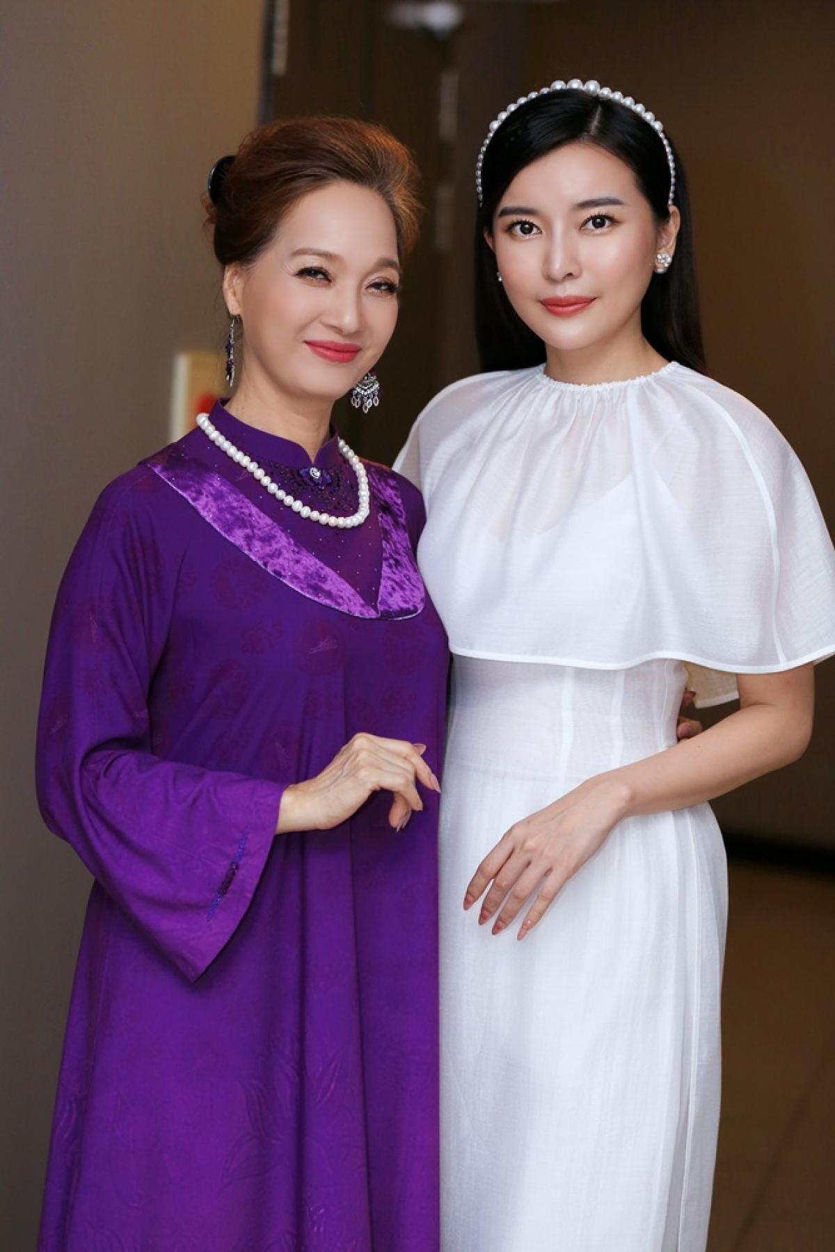 NSND Lê Khanh và nữ diễn viên Cao Thái Hà.