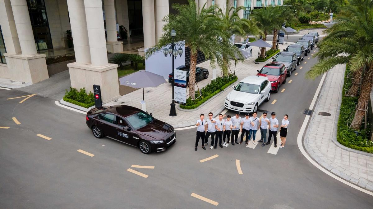 Chương trình đã nhận được sự tham gia của đông đảo khách hàng đang sở hữu xeJaguar Land Rover.