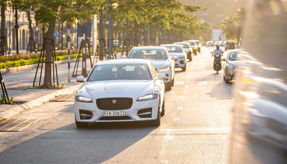 Tham gia chương trình lái thử, khách hàng sẽ được trải nghiệmcác mẫu xe thể thao và địa hình hạng sang mới nhất đến từ Anh Quốc.