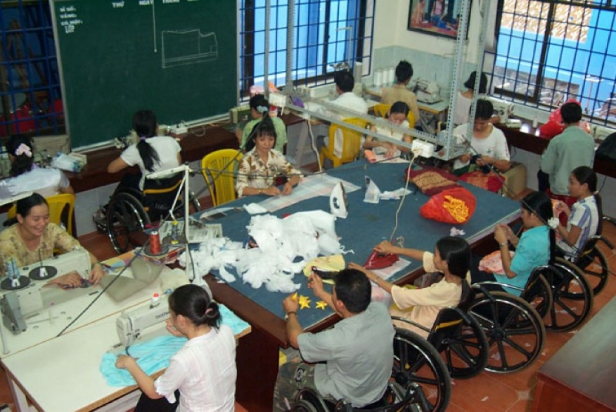 Người khuyết tật vẫn gặp khó trong tiếp cận vốn vay, đào tạo nghề (Ảnh: KT)