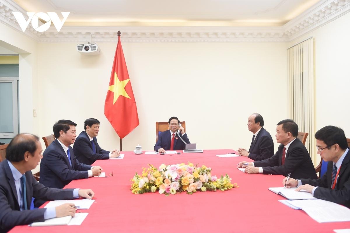 Vietnamese PM Pham Minh Chinh talks over the phone with his Cambodian counterpartSamdech Techo Hun Sen