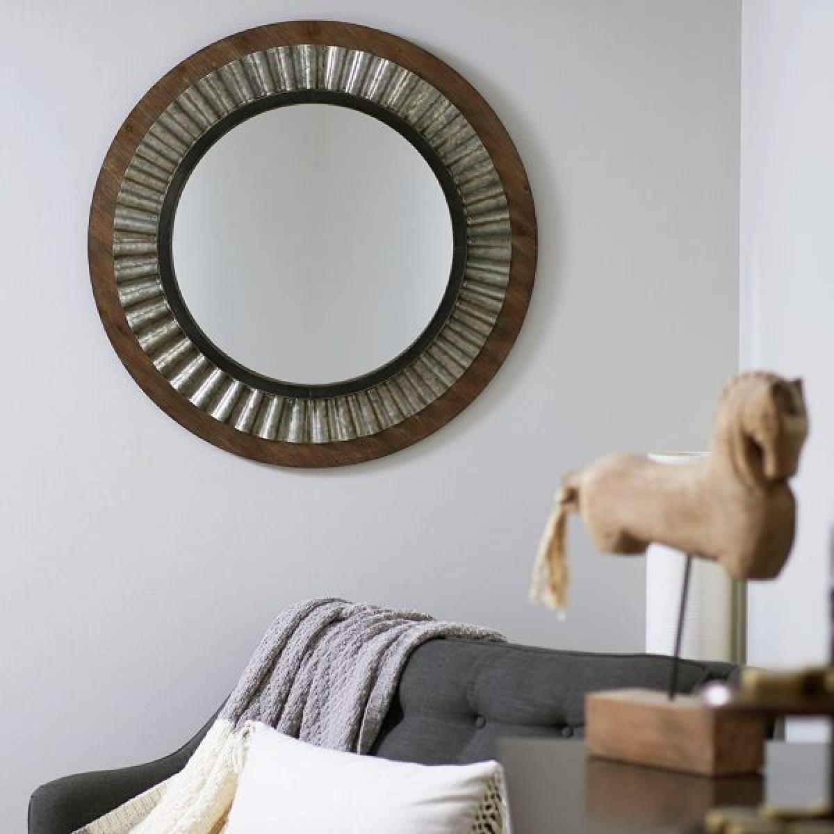 Gỗ và kim loại kết hợp với nhau chỉ cần mộc mạc như vậy cũng đủ nói lên phong cách tối giản của chủ nhà.