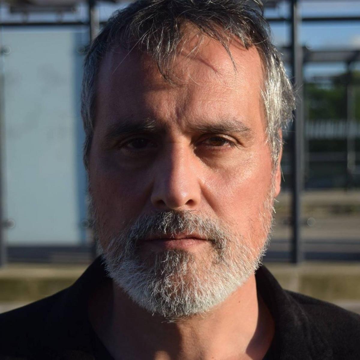 Đạo diễn người Pháp Marcelino Martin Valiente.