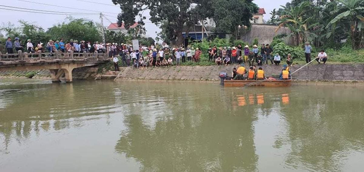 Khu vực kênh nơi học sinh lớp 6 bị nước cuốn mất tích (ảnh H.H)