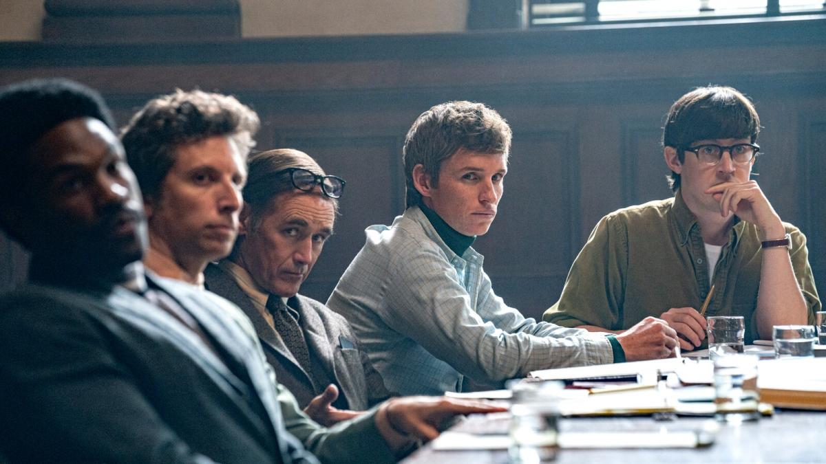 """""""The Trial of theChicago 7""""hội tụ đầy đủ yếu tố tạo nên chiến thắng bất ngờ."""